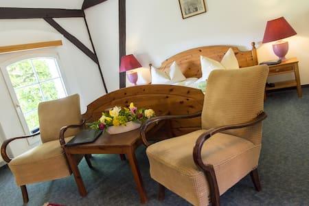 Hotel im typischen Brandenburger Dreiseitenhof - Kyritz - Maison