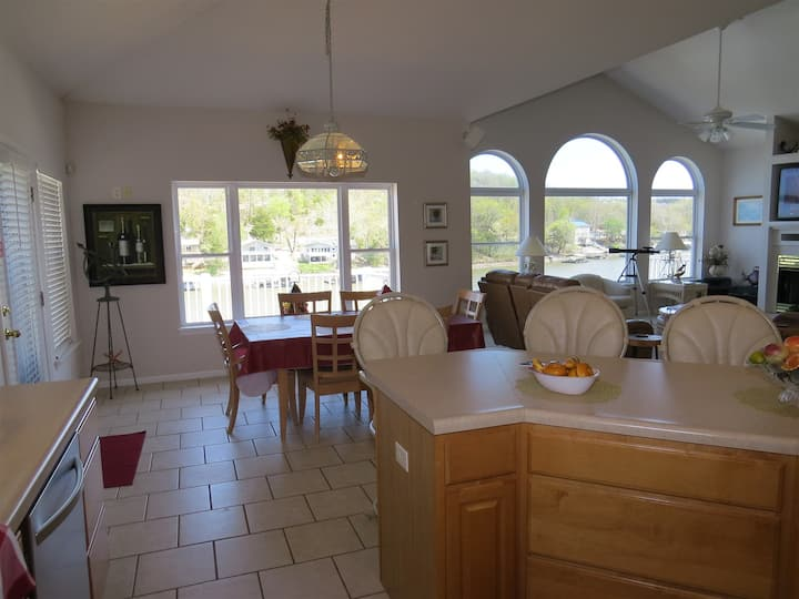 Lakefront Two Level House Sleeps 19 with Two Kitchens