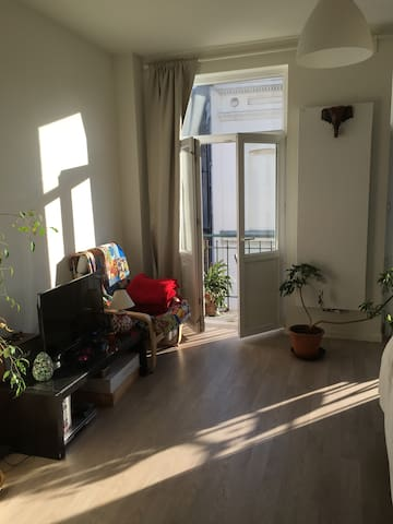 Studio sur la place communale de Molenbeek - Sint-Jans-Molenbeek - Apartamento
