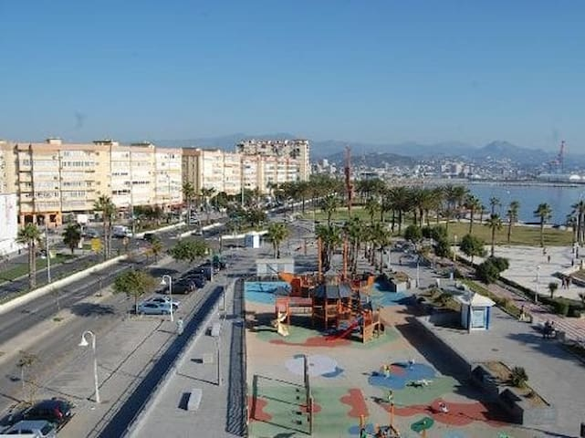 Paseo Marítimo de Poniente (CTC-(PHONE NUMBER HIDDEN)) - Málaga - Dům