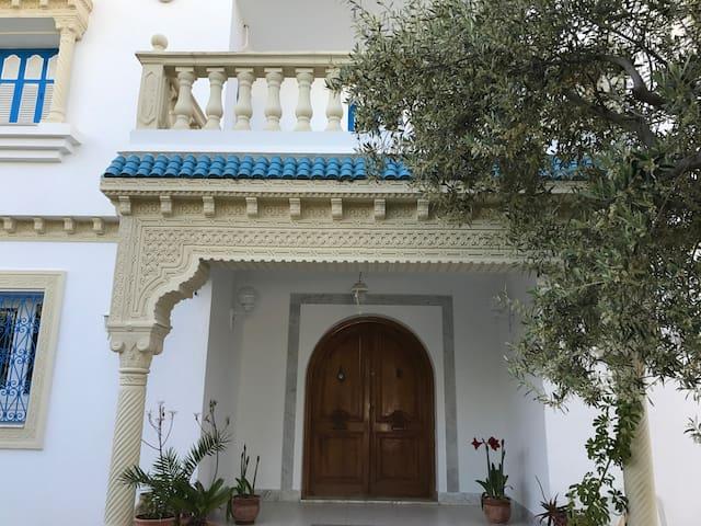 Très belle villa à El Kantaouï - Port el Kantaoui - House