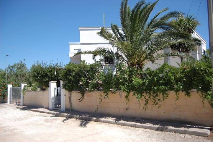 Villa Sammarco 6-7 posti letto a 900 m dal mare