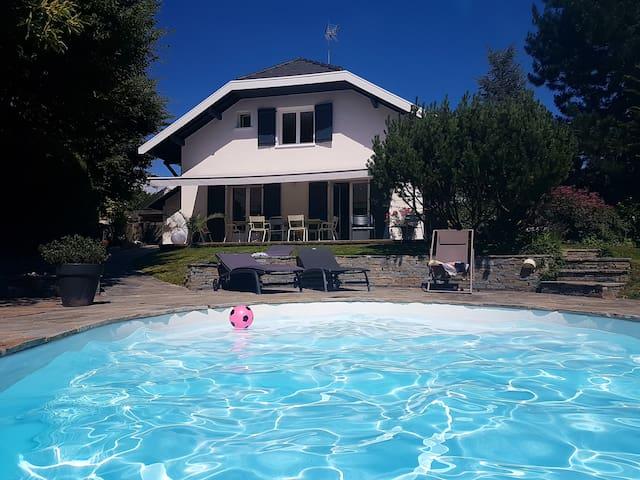 Maison avec piscine de 190 M2- Annecy