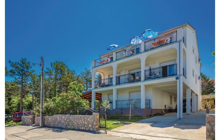 Apartment with balcony and terrace, beach 4 - Dobrinj - Apartamento