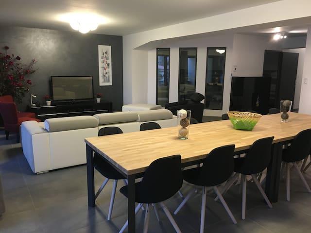 "BEL APPART""ailleurs"" DE STANDING+TERRASSE A MILLAU - Millau - Apartamento"