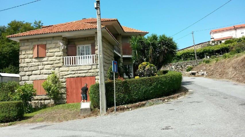 Maison (à 30 min de Porto) - Modelos - Dům