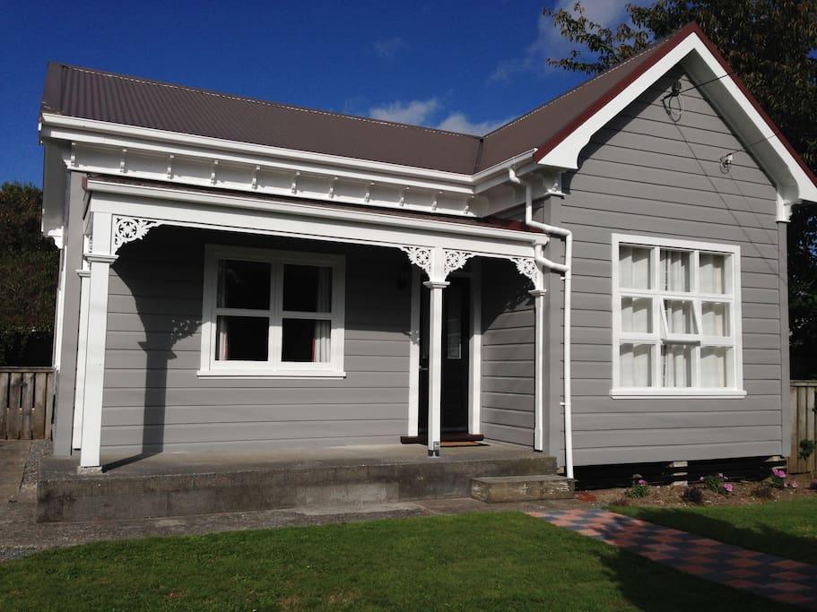 Lovely Modern Kiwi Cottage Houses For Rent In Eltham Taranaki New Zealand
