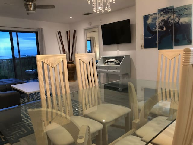 Hotel Chic Meets Seascapes at Cape Canaveral
