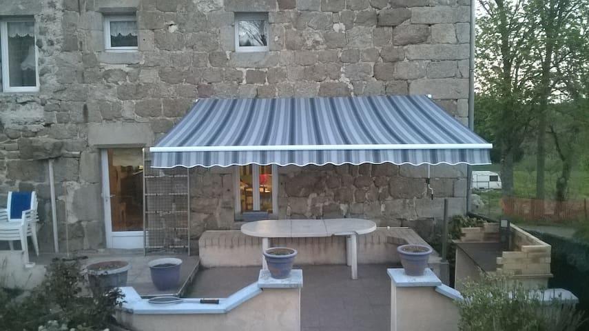 maison en pierre rénovée tout confort - Chenereilles - Ev