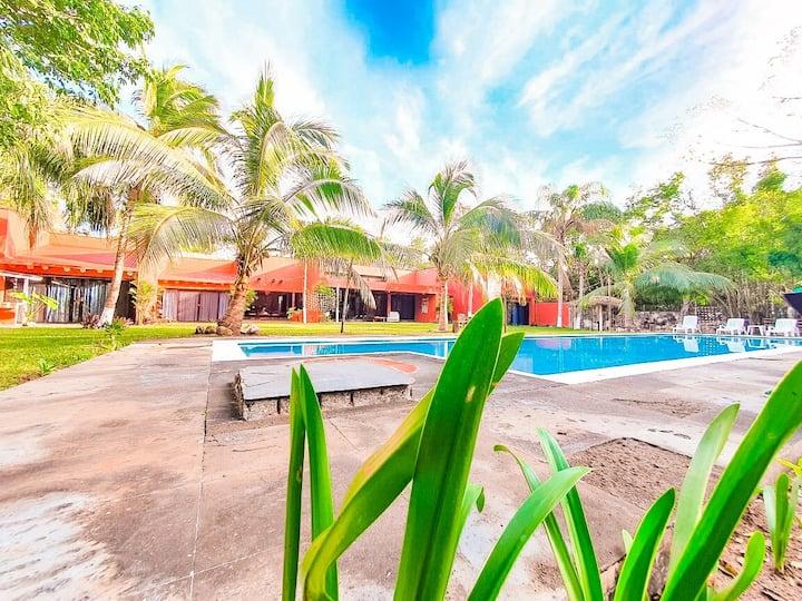 Villa Ceiba Maya