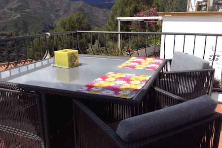 Marbella, Puerto Bañus, B&B - Istan - Bed & Breakfast
