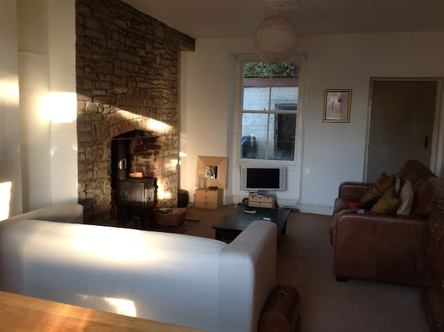 Stunning estuary view Edwardian house with garden - Llanelli - Casa