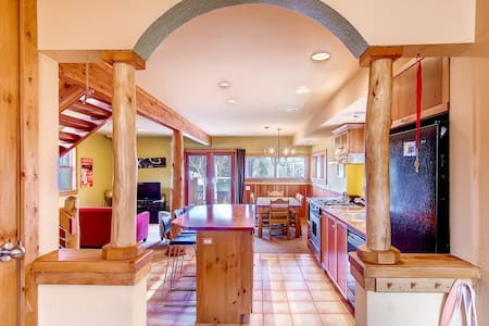 Beautiful Private Mountain Home W/Hot Tub - Nederland