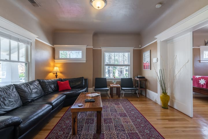 Two Bedroom House in Mid-Town