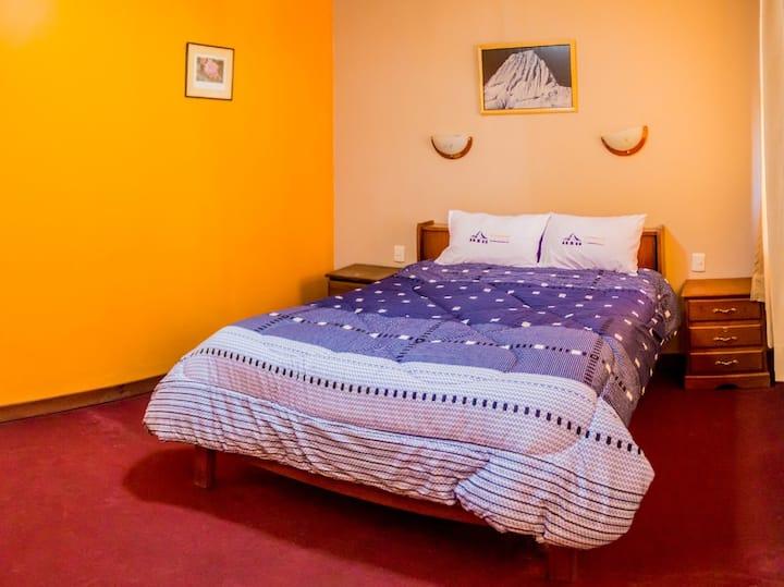 alpamayo guest house B&B