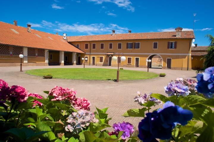 La Casa nel Borgo con pulizie, posto auto e Wifi