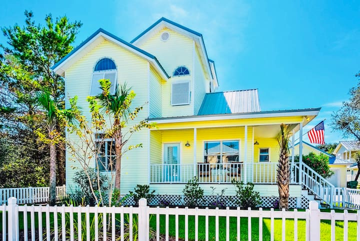 MAGNOLIA BEACH HOUSE | HEATED POOL | PET FRIENDLY