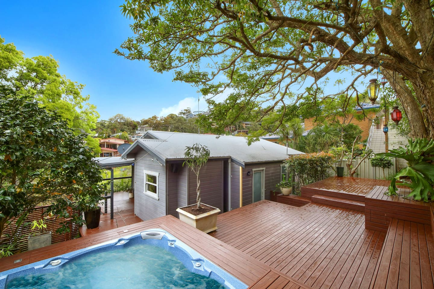 We love our back deck! It's private and comfortable, and just a few minutes stroll from Terrigal beach. The spa is perfect in the evening following a day in the sun.