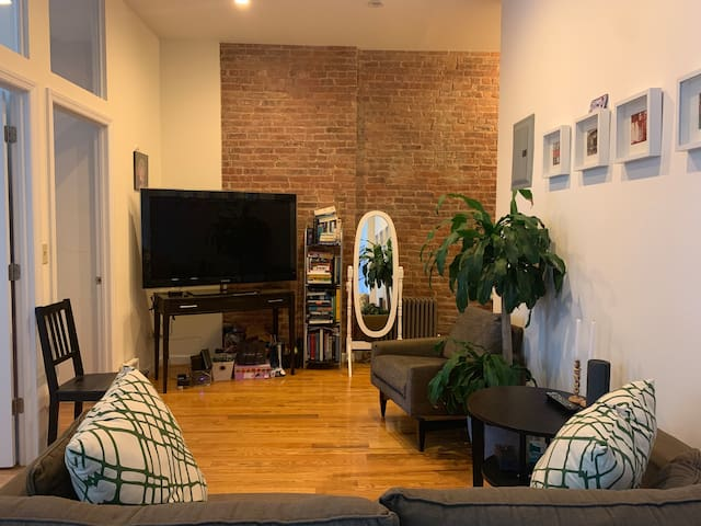 TV / Living Room