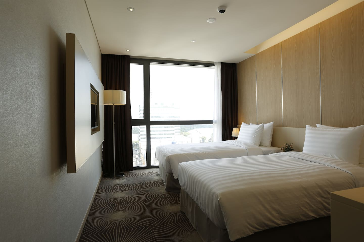 Days Hotel Double Room