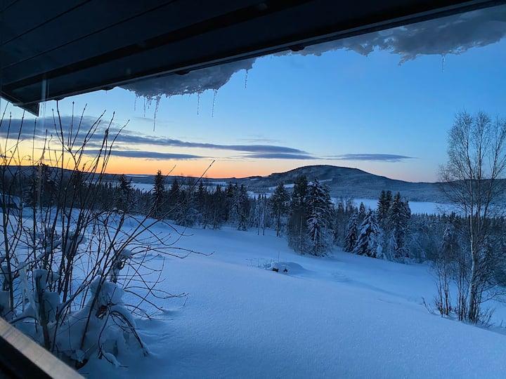 Bo i Mesnali, kort veg til Lillehammer og Sjusjøen
