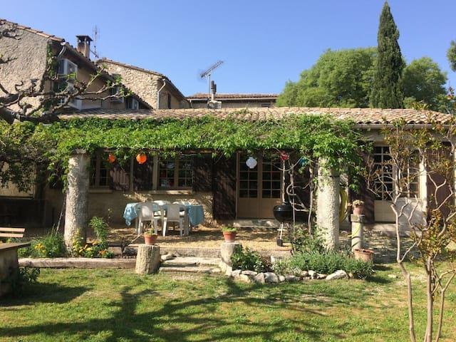 Maison de village à Mérindol, Luberon, Provence