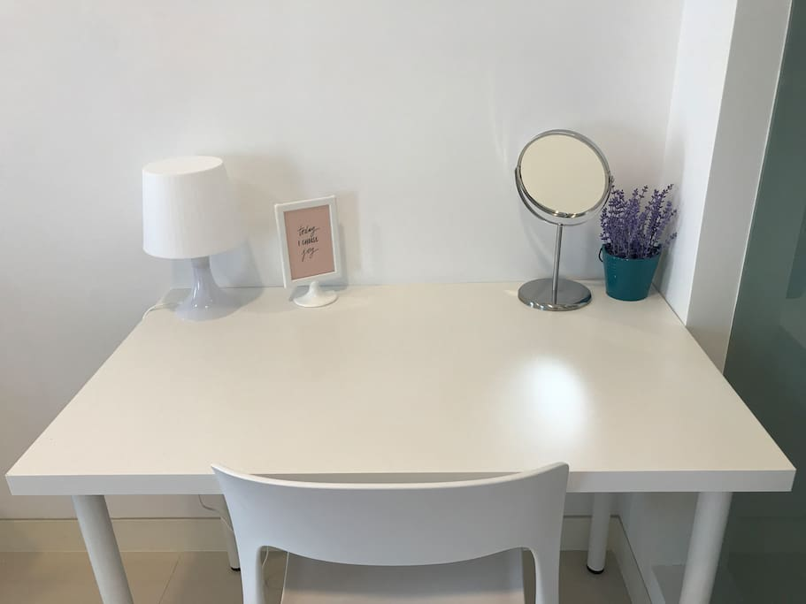 Work space / dressing table