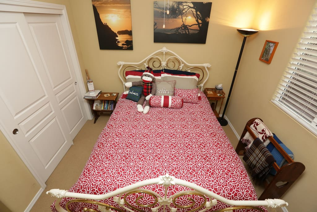 Your room, Queen size bed