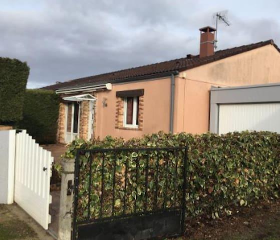 Petite Maison à Fussy