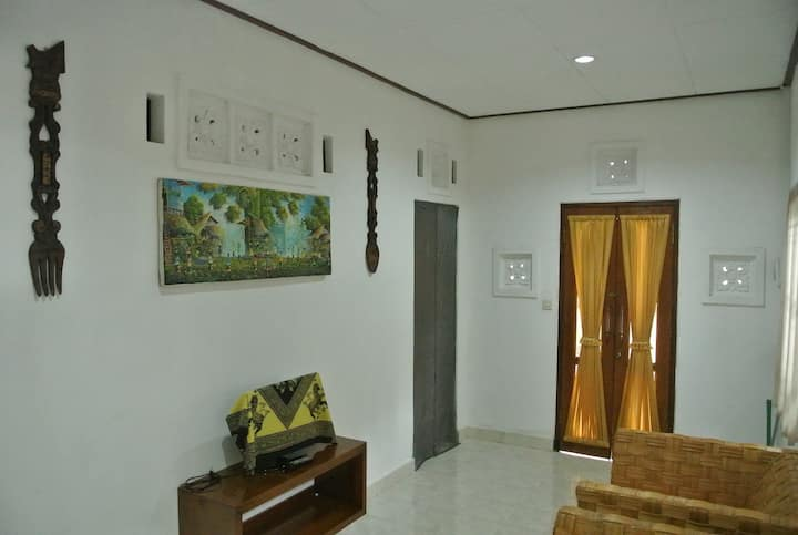 Cozy Balinese House for Rent (Cozy2Stay)