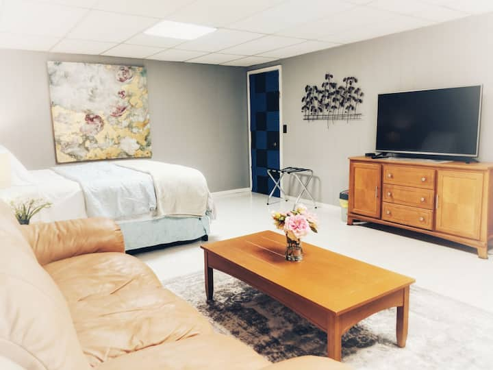Spacious & private for NYC vacation/for work - 2BR