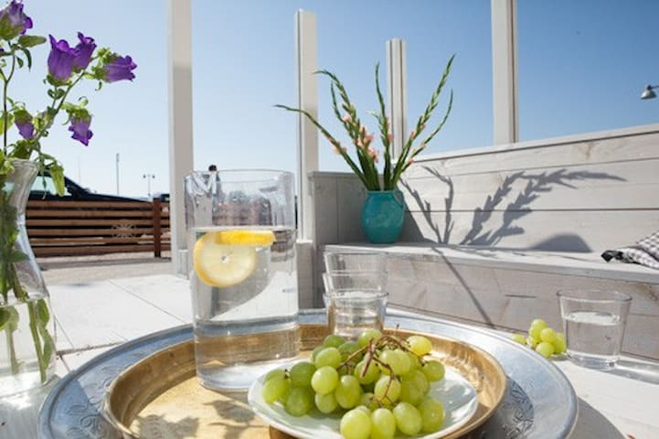 Beach House (9p, max 5 adults) with Sea view! - Egmond aan Zee - Dům