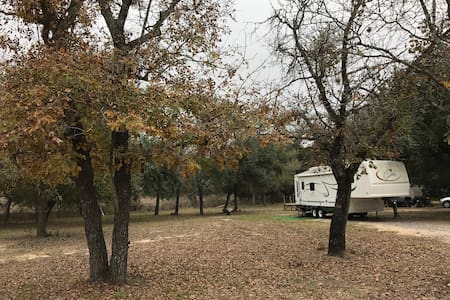 COUNTRY QUIET, RV park San Antonio - San Antonio