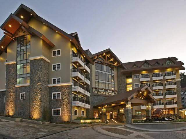 Azalea Hotels & Residences Baguio (Deluxe Room)
