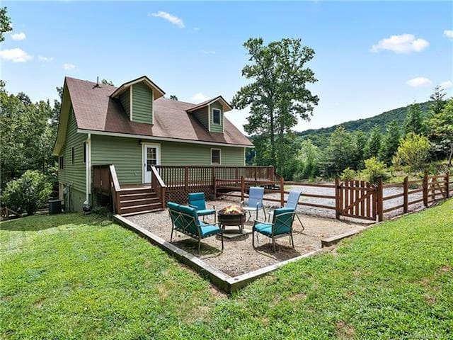 Hickory Nut Hideaway Grand Opening! Gorgeous home minutes to Lake Lure, 15 miles to Asheville!