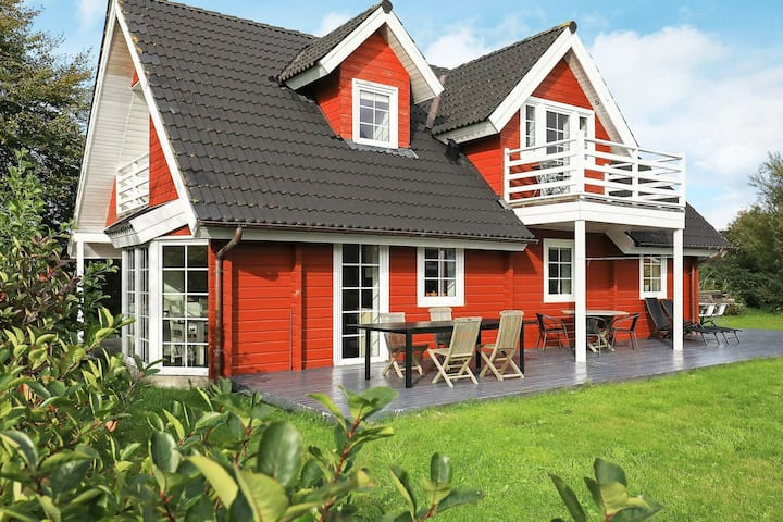 Refined Holiday Home in Ålbæk with Sauna