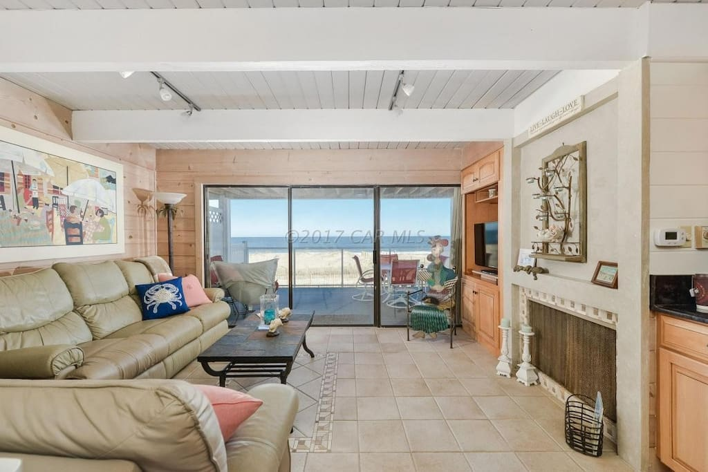 Family Room with Recliners and Unobstructed Oceanfront View