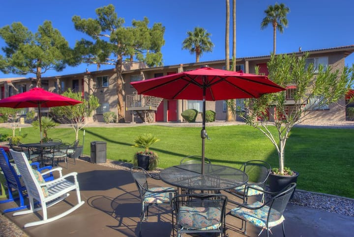 Your Scottsdale Oasis! 🌵Stay in town to unwind.  Pet Friendly. Suite 145
