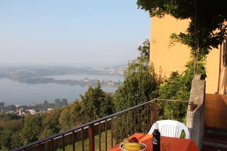 Appartamento con 1 camera e balcone - Galbiate - Lägenhet