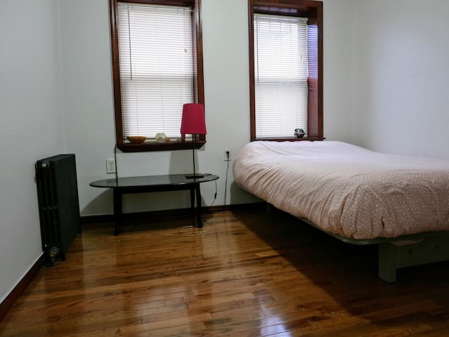 Bright bedroom. Easy access to Manhattan