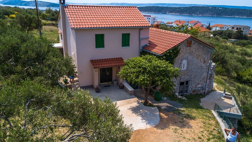 Holiday house Anđeli Banjol, Island Rab