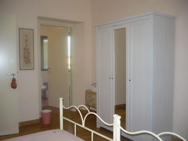 Camera matrimoniale con bagno interno