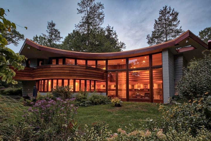 Frank Lloyd Wright's The Meyer House