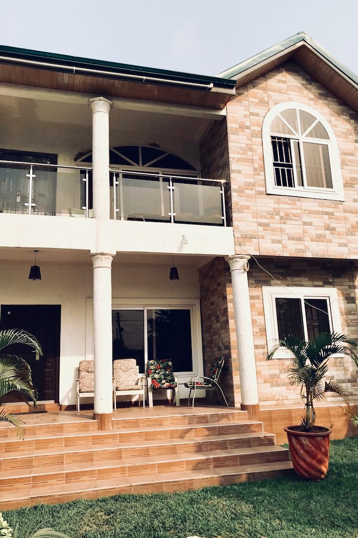 Contemporary Apartment in Accra
