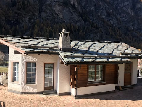 Studio Nina with Garage. Direct train to Zermatt