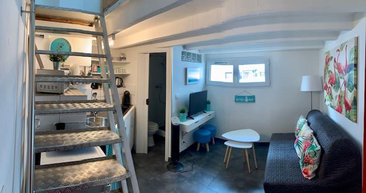 Coquet Studio/T1 en duplex centre de Juan Les Pins