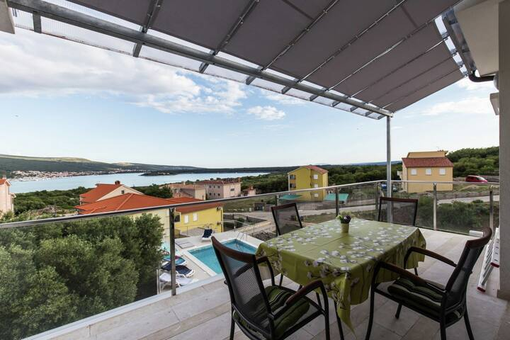 Beautiful villa with private pool, 250 m from the beach and close historical Krk