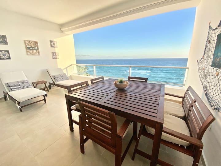 New! Beachfront apt with Stunning Views @ Marbella