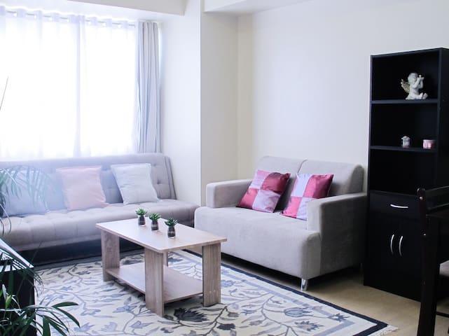 Cozy Family Suite (Living+Bedroom+Kitchen)