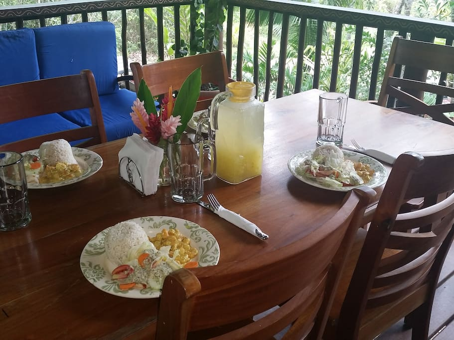 Healthy meal plan choices at Better in Belize Eco-Lodge.